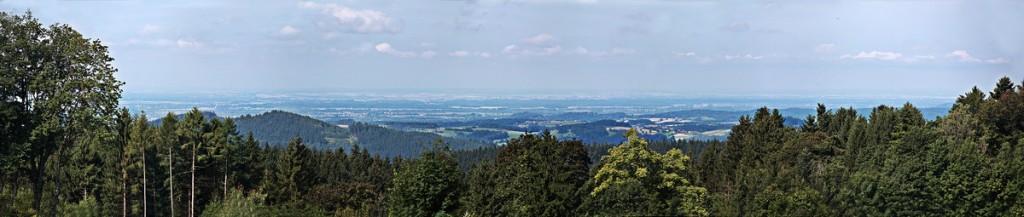 Panoramablick von der Terrasse des Guts Schmelmerhof